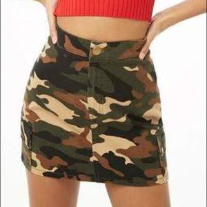 NWT Forever 21 Camo denim skirt